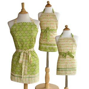 Adjustable Aprons Pattern RD2-015